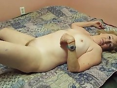 Granny getting pussy smashed hard by the brush new lover on independence day