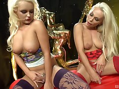 passionate lesbian Caprice Jane and so a dildo to please her girlfriend
