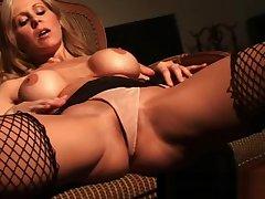 Busty Cougar Julia Ann Finger Fucks Herself In Scheming Fishnets