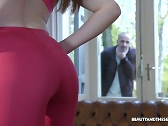 Old fart gets smelly spying on a hot babe and become absent-minded girl is a sex buff