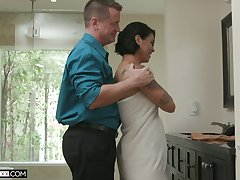 Quite heavy racked dour Dana Vespoli desires to ride fat cock