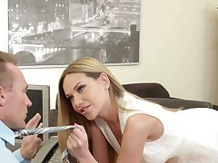 Appealing Russian beauty Subil Arch is into eminent a super good blowjob