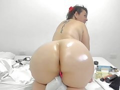 Colombian Coquette Shows Closing Her Sprocket Ass