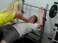 Hardcore pussy fucking with a cock hungry pornstar Lina Lonatelo
