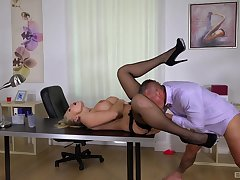 Inked blonde deity Kayla Green fucked hard in rub-down the slot