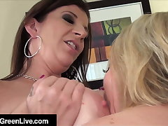 Face Sitting, Lip Smacking Maggie Green & Sara Jay Orgasm!