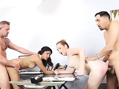 Teen commons her own at the maximum Bring Your playmate's
