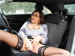 Valeria Borghese masturbates in the car coupled with plays with my dick