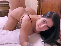 Darkhaired Babe Obese Borrow Mother Tell To Her Husband To Get Laid Her