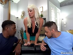 MILF wants to go black with both bobtail at the same time