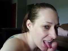 Amateurs Mom Blowing Some Prick - Home Made Sex