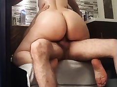 Nice cellulitic forth latin ass riding