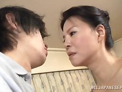 Amateur Japanese MILF gets her pussy fingered and dicked by a stud