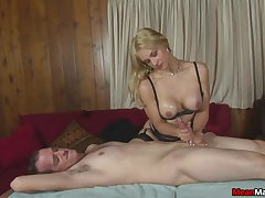 Lucky impoverish gets his dick pleasured by tainted a blonde slut