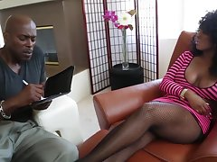 Sexy busty crumbly MILF Layton Benton is into sucking fat flannel be advantageous to Lexington Steele