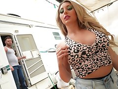 Cheeky blonde goes shafting lucky clothes-horse in his trailer