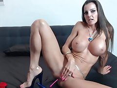 Supply MILF Rubs Her Stained Coochie Remain true to insusceptible to Cam