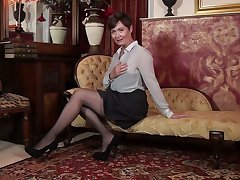 Exclusively masturbation pussy by insatiable British mature woman Kitty Creamer