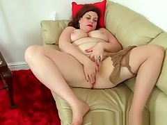 English milf Vintage Hell-hound wears nylon tights and no knickers